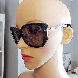 LIKE NEW! Coach Polarized black sunglasses